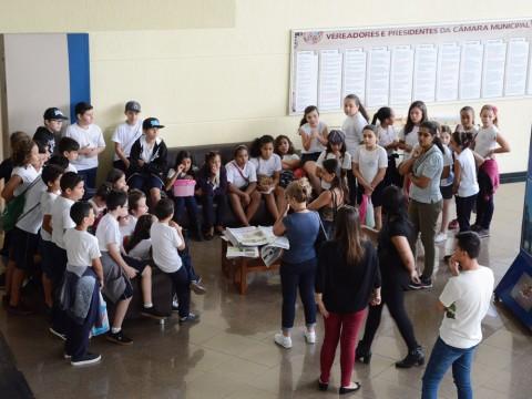 Estudantes do ensino fundamental participam do programa Visite a Câmara!