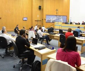 Vereadores aprovam mais de 300 documentos da pauta desta terça-feira (25)