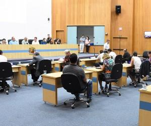 Sessão desta quinta (22) tem 13 projetos na pauta de votação