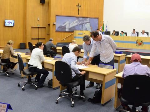Projetos passam pela análise das comissões permanentes antes da votação
