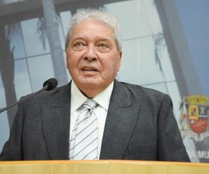 Câmara entrega título de cidadão joseense ao médico Orlando Feirabend