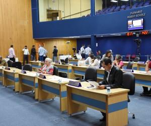Pauta da sessão desta terça-feira (15) tem 289 documentos para votação