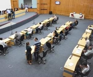 Sessão desta quinta (12) tem 11 projetos na pauta de votação