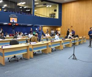 Vereadores analisam e votam mais de 700 documentos na 74ª sessão de Câmara