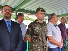 Vereadores participam de cerimônia com soldados do Tiro de Guerra
