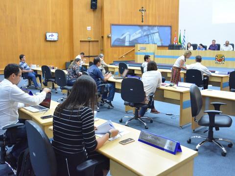 Câmara aprova reforço de lâmpadas de LED na iluminação pública