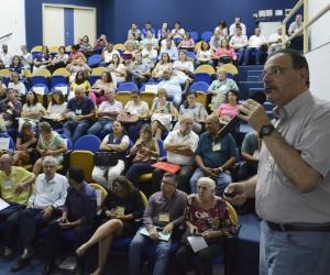 Novos conselheiros municipais de Saúde tomam posse em reunião na Câmara