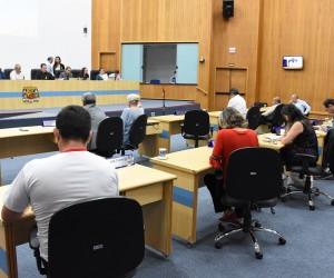 Pauta da sessão desta terça-feira (8) tem 372 documentos para análise e  votação