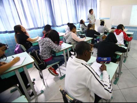 Projeto de lei prevê matrícula de alunos da rede púbica municipal pela internet
