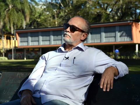 Arquiteto Zanine Filho relembra fábrica de móveis do pai e projetos arquitetônicos