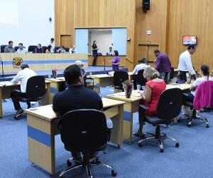 Sessão desta terça tem 329 documentos entre requerimentos e indicações