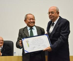 Câmara concede medalha Cassiano Ricardo aos Missionários da Luz