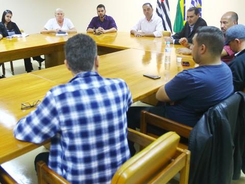 Câmara acompanha reunião sobre transporte por meio de aplicativo