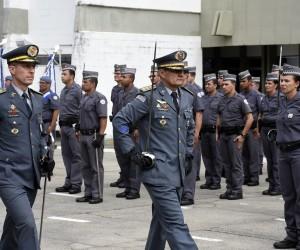 Vereadores acompanham a cerimônia de troca do comando do CP1-1