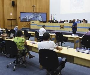 Vereadores aprovam mais de cem documentos na sessão desta terça
