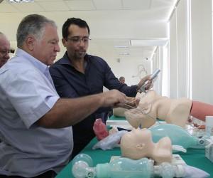 Vereadores visitam faculdade de medicina que vai abrir 100 vagas