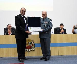 Coronel do Corpo de Bombeiros recebe título de cidadão joseense