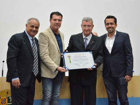 Próvisão recebe medalha Cassiano Ricardo na Câmara pelos 35 anos de serviços