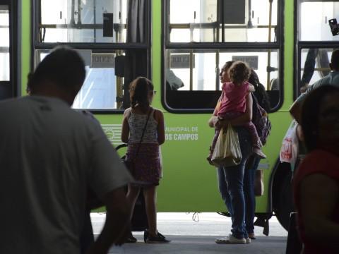 Crianças com menos de seis anos poderão ter cartão de gratuidade no ônibus