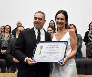 Bailarina Ana Araújo é homenageada com a medalha Mérito Municipal