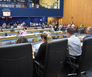 Sessão na Câmara desta terça (22) terá 274 documentos para análise e votação