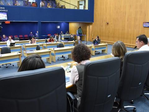 Cerca de 300 documentos foram analisados e votados na 27ª sessão