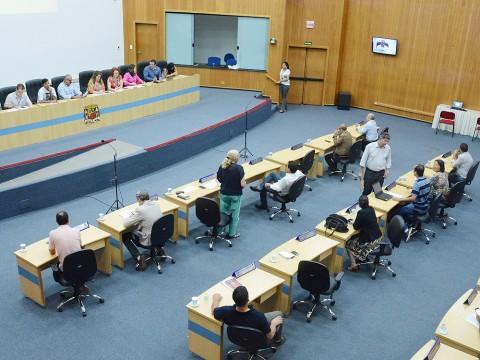 Sessão desta quinta (30) tem 20 projetos na pauta para votação