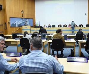 Vereadores analisam na sessão desta quinta (17) sete projetos para votação
