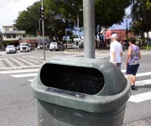 Vereadora propõe adoção de lixeiras por empresas ou instituições com direito a publicidade