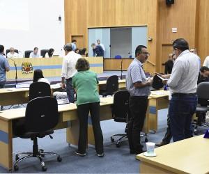 Pauta da sessão desta terça (6) tem 131 documentos