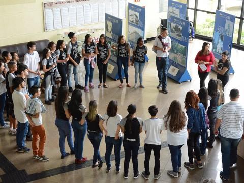 Câmara recebe visita de alunos do Ensino Médio e Fundamental