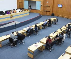 Sessão desta quinta (19) tem 12 projetos na pauta de votação
