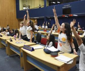 Mais de mil estudantes visitaram a Câmara em 2018