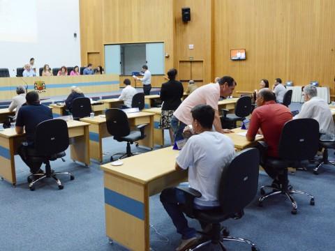 Vereadores analisam e votam mais de 200 documentos na 72ª sessão de Câmara