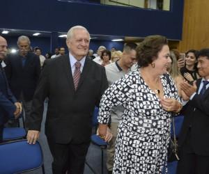 Ex-prefeito de São José é homenageado pela Câmara em sessão solene