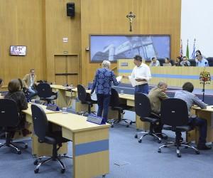 Sessão desta terça (26) inclui 65 documentos para votação