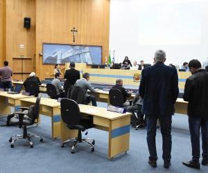Sessão desta terça (9) tem 136 documentos na pauta