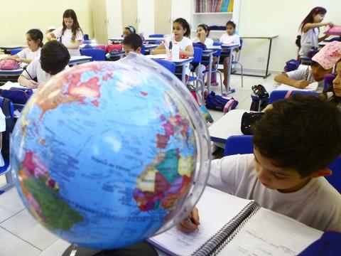 Programa Adote uma Escola prevê doações de pessoas jurídicas para rede municipal
