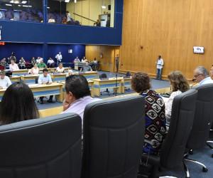 Sessão desta quinta (1) tem 10 projetos na pauta de votação e mais 12 para leitura