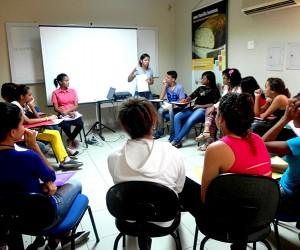 Projeto de lei cria programa escolar que incentiva debate de temas mundiais