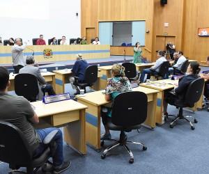 Câmara aprova projeto que cria 2 mil bolsas-auxílio para desempregados