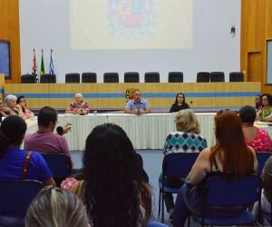 Grupo debate políticas públicas para autismo nas áreas de educação e cultura