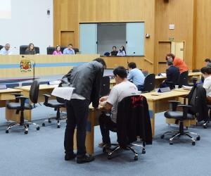 Vereadores analisam e votam cerca de 400 documentos na sessão desta terça-feira (24)