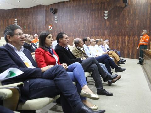 Vereadores cobram compromisso com a segurança e o meio ambiente  em visita à Revap