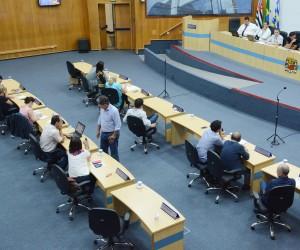 Vereadores analisam e votam cerca de 250 documentos na 61ª sessão ordinária